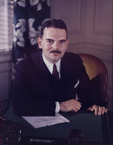 Thomas E. Dewey color photograph.png