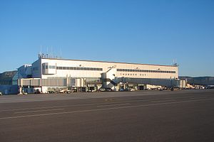 Thunder Bay International Airport - Thunder Bay Airport ramp side