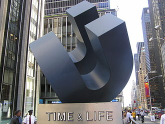 Time Life - Time-Life statue in front of the Time-Life building