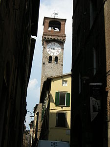 Torre dell'Orologio (Lucca) 01.JPG
