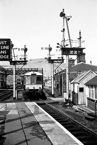 Treherbert railway station - Image: Treherbert 548 1r copy