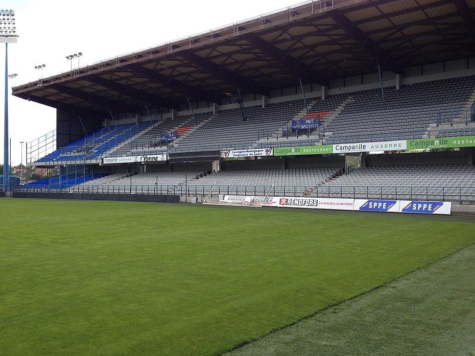 Tribune Vaux - Stade de l'Abbé-Deschamps