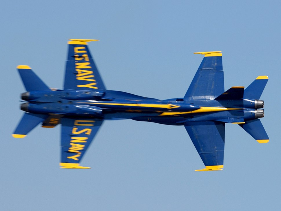 US Navy 040815-N-7559C-001 Blue Angels perform the opposing Knife-Edge Pass