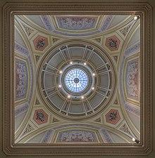 Universität Wien - Vestibule dome view-2016.jpg