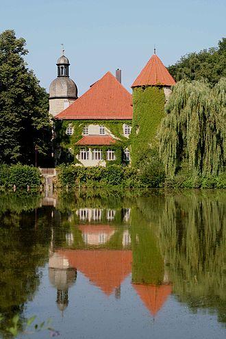Untersiemau - Castle in the town