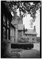 VIEW ALONG EAST FRONT, FROM SOUTH - Stan Hywet Hall, 714 North Portage Path, Akron, Summit County, OH HABS OHIO,77-AKRO,5-14.tif