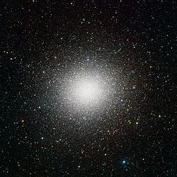 VST image of the giant globular star cluster Omega Centauri.jpg