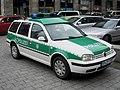 VW Golf Variant TDI Mk.IV 2001-2006 Bundespolizei Germany frontright 2008-03-27 A.jpg