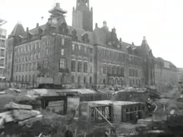 Bestand:Verkeerschaos in Rotterdam ten einde officiële heropening Coolsingel.ogv