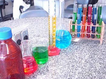 Vidrarias comuns em laboratórios