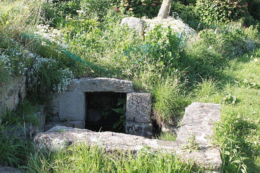 Fontaine de Porh-En-Iliz, Fr-56-Plouharnel.