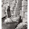 Woman holding water in Egypt, 1902.jpg