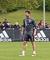 Xabi Alonso Training 2017-05 FC Bayern Muenchen-4.jpg