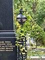 Zentralfriedhof Wien Grabmal Weiss Brauer v Vittorelli 02.jpg