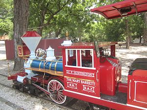 San Antonio Zoo - The San Antonio Zoo Eagle train carries visitors throughout Brackenridge Park.