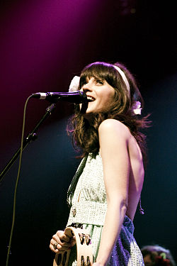 Zooey Deschanel of She & Him @ Terminal 5 09.jpg