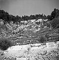 """""""Bran"""" (iz protja pletene stene) nad cesto, da se ne posipa """"usad"""" - (plaz), nad Orehkom 1954.jpg"""