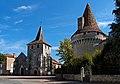 Église Saint-Étienne et le château de Javerlhac.jpg