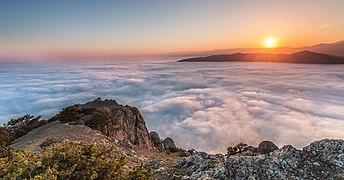 Захід сонця понад хмарами.jpg