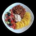 Турли тава, печен компир, намаз од сончоглед и македонска салата.jpg