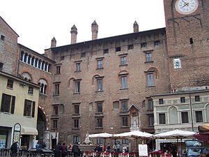 Palazzo del Podestà, Mantua - Piazza Broletto facade