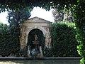 027 Castell de Púbol (Casa Museu Gala Dalí), estany del jardí.jpg