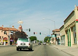 11th and Central Tracy California 14-May-2006.jpg
