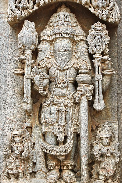 File:12th century Chennakesava temple at Somanathapura, Karnataka, India Lord Brahma.jpg