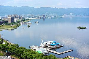 Lake Suwa - Image: 130607 Kamisuwa Onsen Suwa Japan 01n