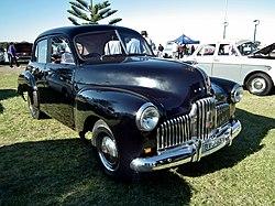 1952 Holden 48-215 sedan (8878217988).jpg