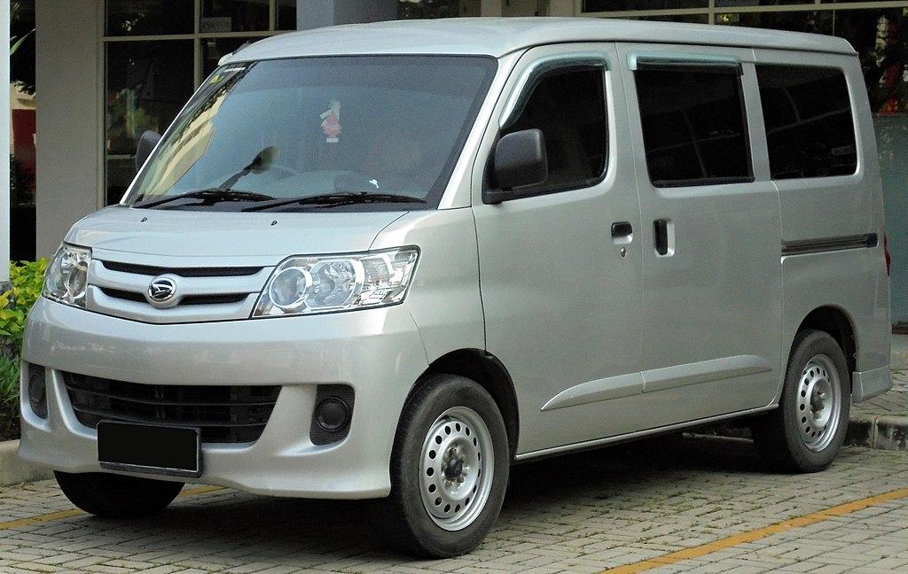 File:2013 Daihatsu Luxio 1.5 D Van (S402RG; 01-12-2019