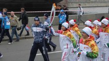 Fichier:2014 Winter Olympics torch relay (Moscow).ogv