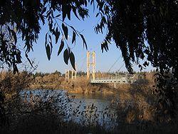 Historische Hängebrücke über den Euphrat aus der Zeit des französischen Mandats
