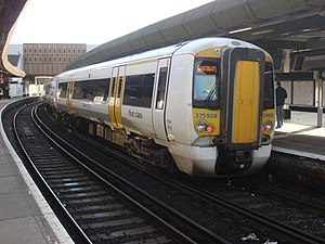 Medway Valley line - Image: 375908 at London Bridge