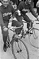 51ste Tour de France 1964 Jo de Roo en Geldermans, De Roo op gewone fiets, Bestanddeelnr 916-5792.jpg