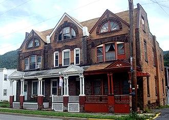 Renovo, Pennsylvania - Image: 522 530 Huron Avenue Renovo