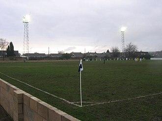 Armthorpe Welfare F.C. - Image: ARMTHORPE WELFARE FC V GLAPWELL FC 11 02 2006 NCEL PREMIER DIVISION southfield road side