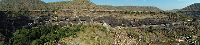 640px-Ajanta_caves_panorama_2010.jpg