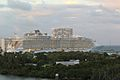 Allure of the Seas (8615659443).jpg