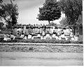 Anatole Carignan et de jeunes filles de Lachine costumees lors du 275e anniversaire de Lachine 1944.jpg