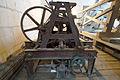 Ancien mécanisme de carillon (11251058835).jpg
