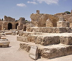 Antonine baths ruins, Carthage.jpg