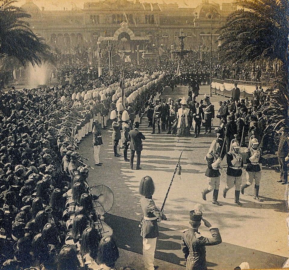 Archivo General de la Naci%C3%B3n Argentina 1910 Buenos Aires, Fiesta del Centenario en Buenos Aires, la Infanta Isabel de Borb%C3%B3n revistando las tropas