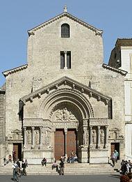 Arles kirche st trophime fassade sky