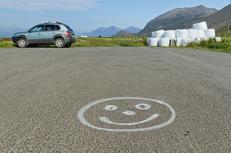 File:At the northern end of Fv312 road in Russelv, Lyngen, Troms, Norway, 2014 August.jpg