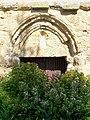 Auvers-sur-Oise (95), chapelle St-Nicolas du Valhermeil d'avant 1222, ruinée après 1914, rue des Roches, portail.jpg
