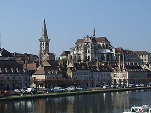 Abbey of Saint-Germain d'Auxerre - The abbey of Saint Germain and its Romanesque bell tower dominate Auxerre, Burgundy