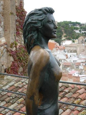 Ava-gardner-statua-tossa