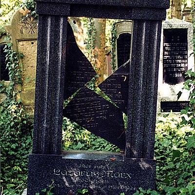 Bödigheim-Grab-auf-jüdischem-Friedhof.jpg