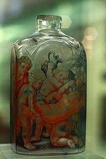 BLW One of a pair of spirit flasks (1).jpg